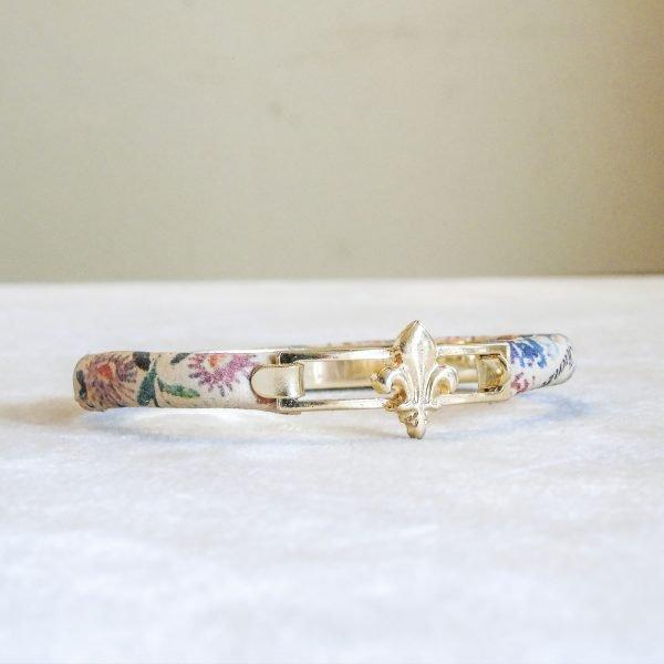 Bracelet Calf Leather Flower with Florentine fleur de lis