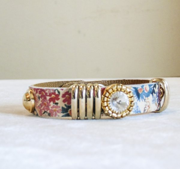 Bracelet Calf Leather Flower with Push Button Closure and Decoration